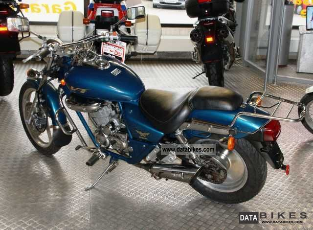 2000 Daelim  VT 125 Motorcycle Lightweight Motorcycle/Motorbike photo