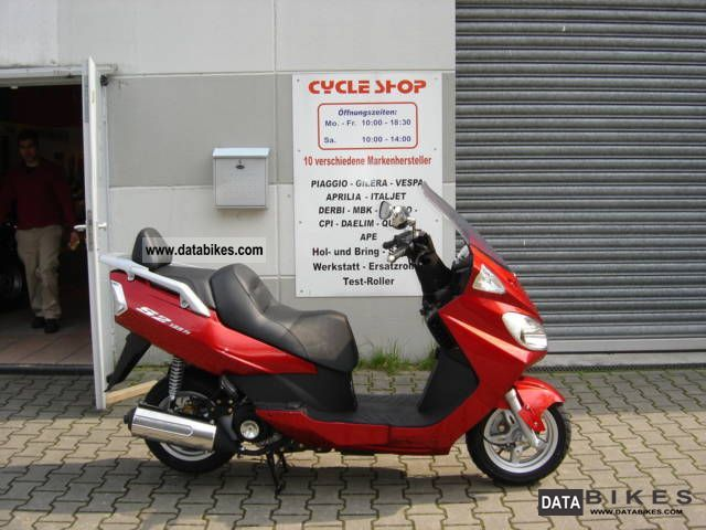 Daelim  Freewing 125 i.e. Shipping date 2011 Scooter photo