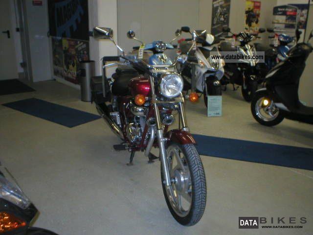 1999 Daelim  VT 125 F Custom - Chopper Motorcycle Lightweight Motorcycle/Motorbike photo