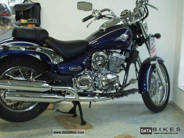 2011 Daelim  DAYSTAR fi Motorcycle Chopper/Cruiser photo