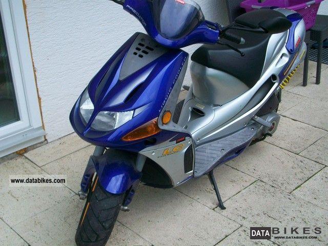 2000 Derbi predator Motorcycle Scooter photo 2