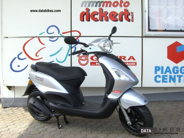 2011 Derbi  BOULEVARD 125 as PIAGGIO FLY! ALL COLORS! Motorcycle Scooter photo