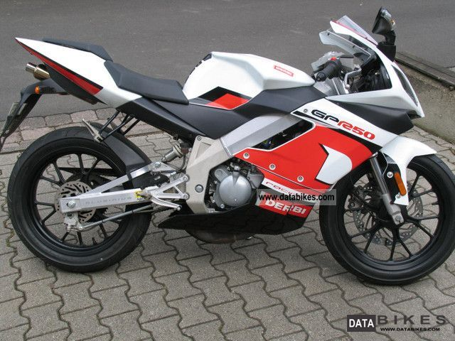 2007 Derbi  GPR 50 Motorcycle Sports/Super Sports Bike photo