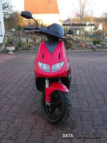 2004 Derbi Predator GP1 Motorcycle Scooter photo 1