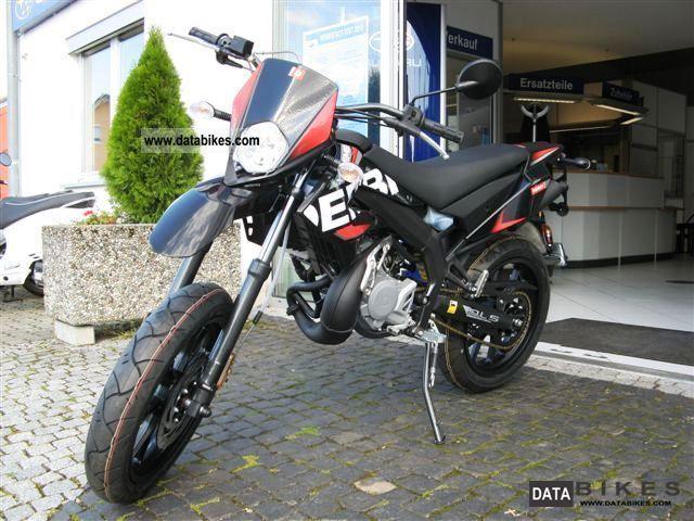 2011 Derbi  Senda DRD 50 X-Treme Supermoto Motorcycle Super Moto photo