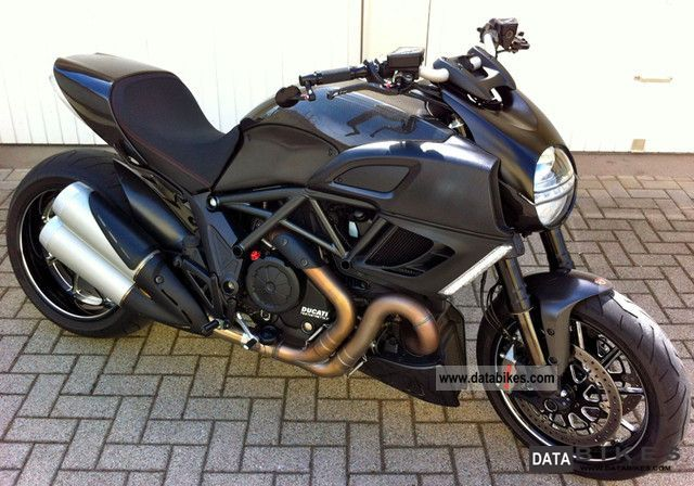 2011 Ducati  Diavel Carbon Motorcycle Sports/Super Sports Bike photo