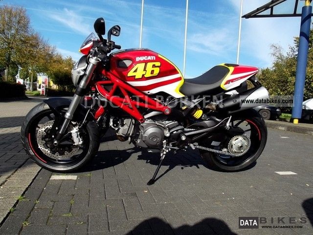 2011 Ducati  Valentino Rossi Replica Monster 796 Motorcycle Naked Bike photo