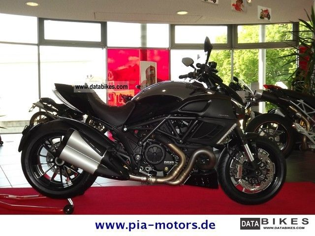 2011 Ducati  Diavel Cromo ABS Motorcycle Naked Bike photo