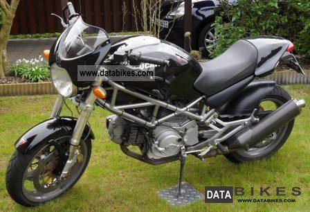 Ducati  Monster 620 i.e. 2004 Naked Bike photo