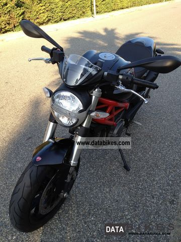 2011 Ducati Monster 796-KM nera-06/201 5000 NUOVA