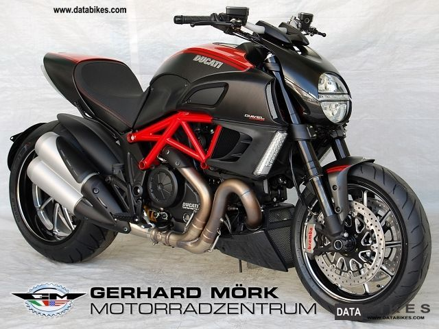 2011 Ducati  Diavel Carbon 1200 Red ABS Motorcycle Streetfighter photo