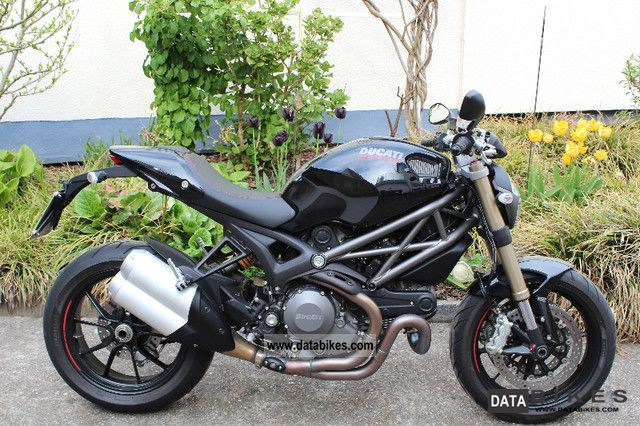 Ducati  Monster 1100 Evo To Accident Free - Non-model-making 2011 Motorcycle photo