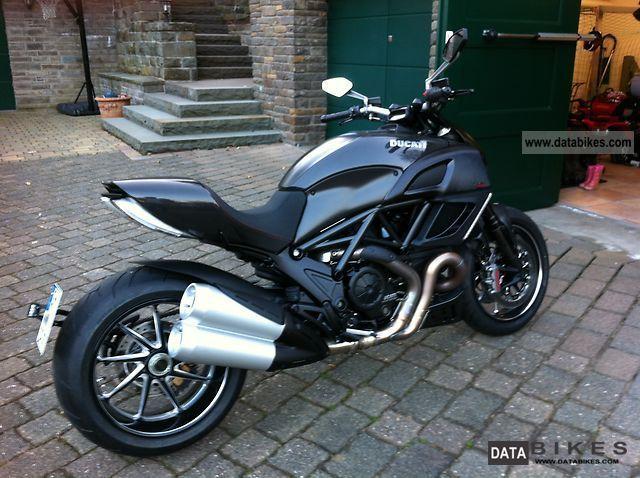 2012 Ducati  Diavel Carbon Motorcycle Naked Bike photo