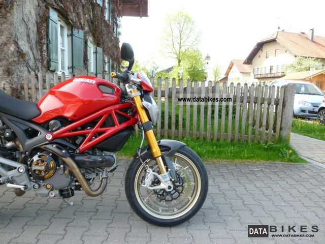 2010 Ducati  Monster 1100 S ABS Motorcycle Sports/Super Sports Bike photo