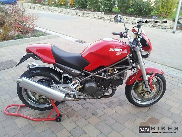 Ducati  Monster 900 S i.e. 2000 Naked Bike photo