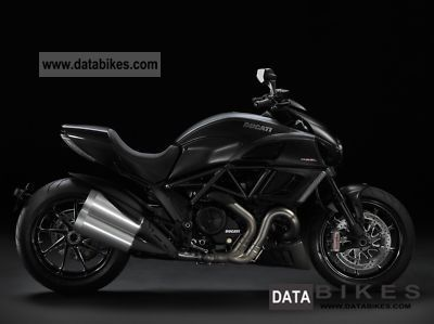 2015 Ducati DIAVEL CARBON WHITE 132691