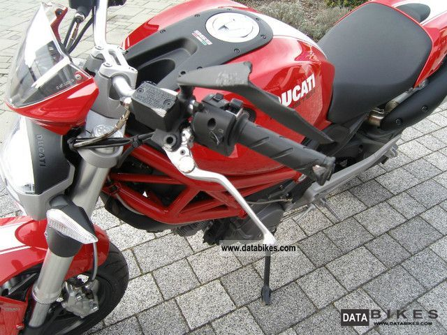 Ducati  696 ABS 2012 Motorcycle photo