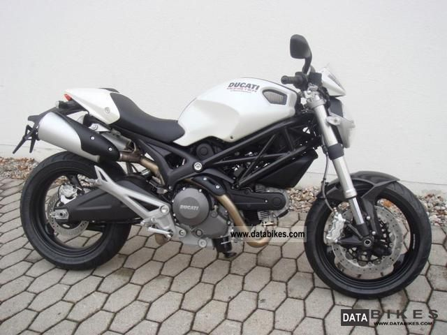 Ducati  Monster 696 + ABS model 2012 2011 Motorcycle photo