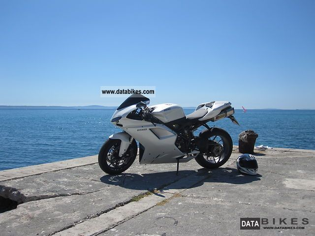 2010 Ducati  1198 Full equipment (€ 12 900 for international calls) Motorcycle Sports/Super Sports Bike photo