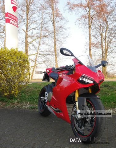 2011 Ducati  PANIGALE 1199 S ABS test drive now ..... Motorcycle Sports/Super Sports Bike photo