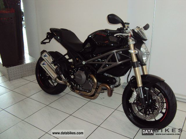 2011 Ducati  Monster 1100 Evo, ABS - Special restructuring Motorcycle Naked Bike photo