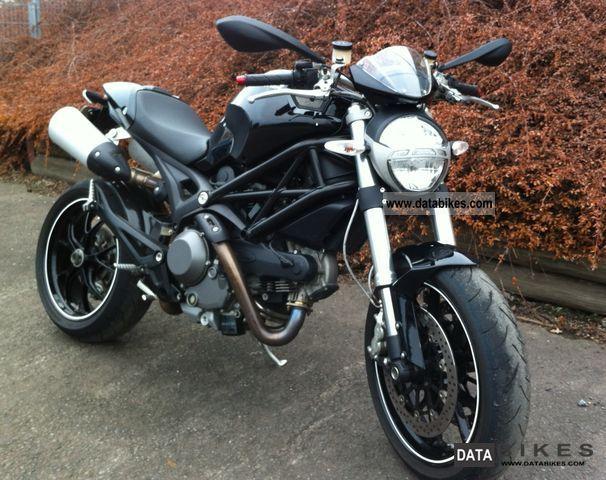 2009 Ducati  Black Monster 1100 + new tires Motorcycle Naked Bike photo