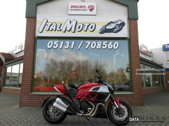 2011 Ducati  Diavel 1200 ABS red Now TEST DRIVE! Motorcycle Naked Bike photo