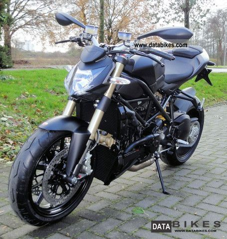 2011 Ducati  Street Fighter MY 2012 DTC 848 available immediately Motorcycle Streetfighter photo