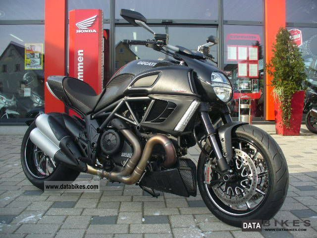 2011 Ducati  Diavel Carbon ABS ** NEW CONDITION ** Motorcycle Naked Bike photo