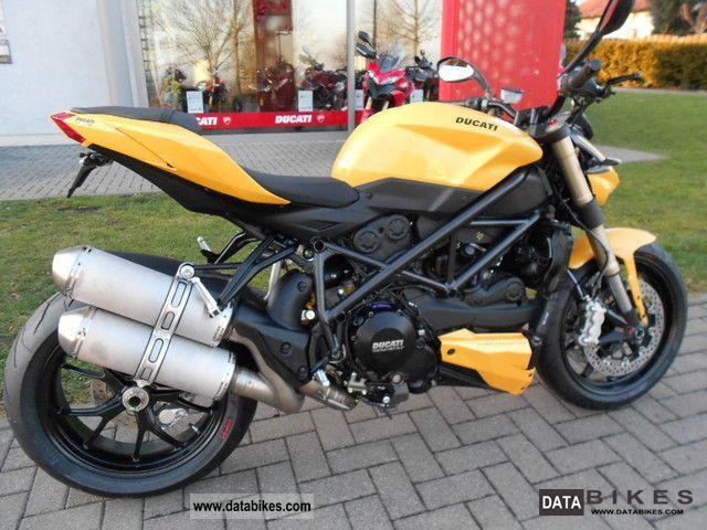 2011 Ducati  Street Fighter GELB--E rgonomiepaket 848 - Motorcycle Streetfighter photo