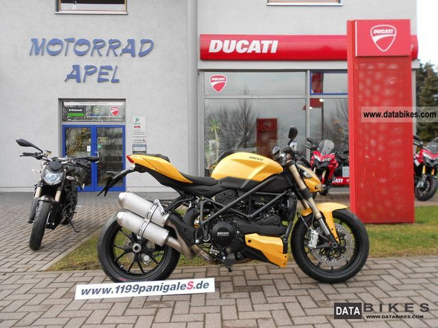 2011 Ducati  Street Fighter 848 YELLOW - now available- Motorcycle Streetfighter photo