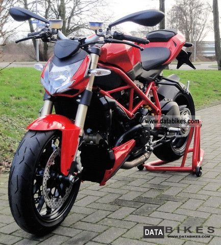 2011 Ducati  Street Fighter DTC 848 MY 2012 Motorcycle Streetfighter photo
