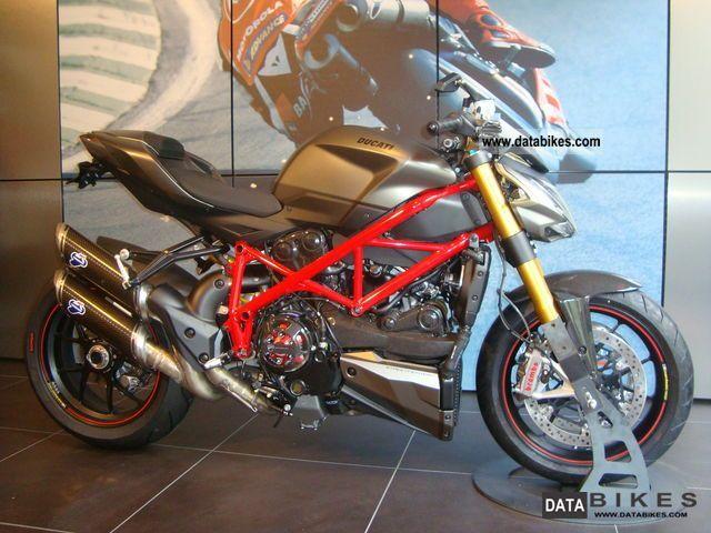 2011 Ducati  Streetfighter S, \ Motorcycle Naked Bike photo