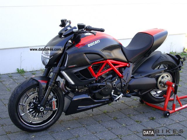 2011 Ducati Diavel Carbon Red Abs Amp Tc New Vehicle