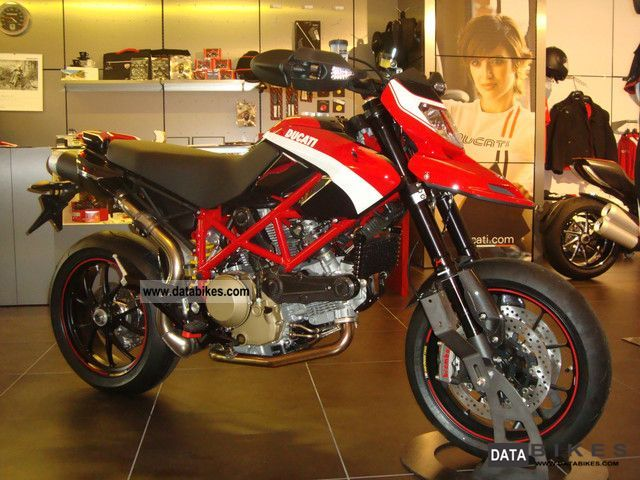 Ducati  Hypermotard 1100 Evo SP \ 2011 Super Moto photo