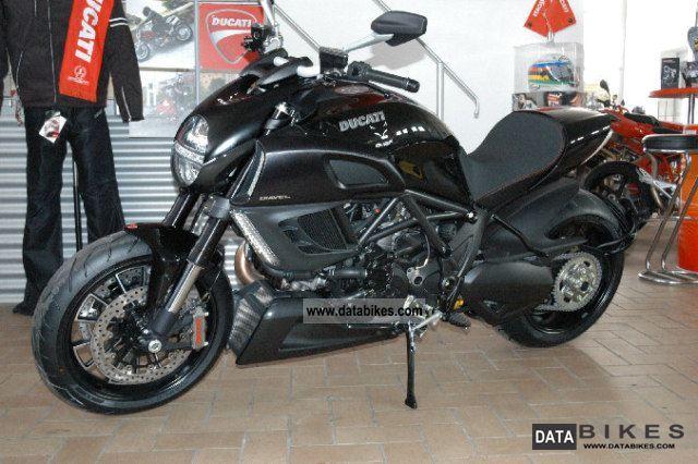 2011 Ducati  Diavel STD. Motorcycle Chopper/Cruiser photo