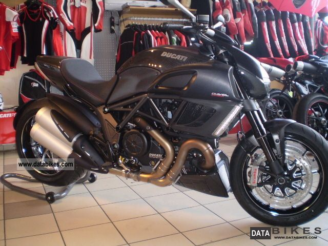 2011 Ducati  Diavel Carbon Black - ducatileasing com. - Motorcycle Naked Bike photo