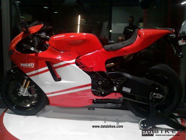 2009 Ducati  Desmosedici Motorcycle Sports/Super Sports Bike photo