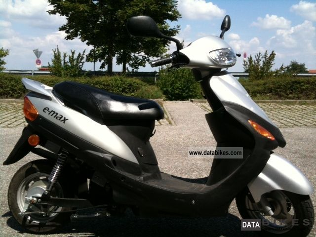 e-max  1500 2012 Electric Motorcycles photo