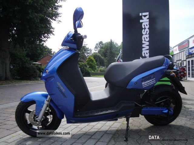 e-max  90 S ELECTRIC - ROLLER \ 2011 Electric Motorcycles photo