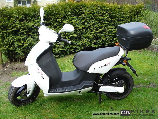 e-max  90s 2012 Electric Motorcycles photo