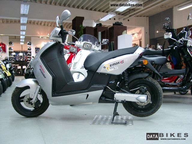 e-max  90 S 2011 Electric Motorcycles photo