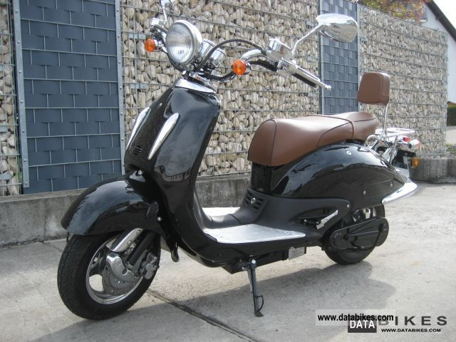 e-max  etropolis retro 2011 Electric Motorcycles photo