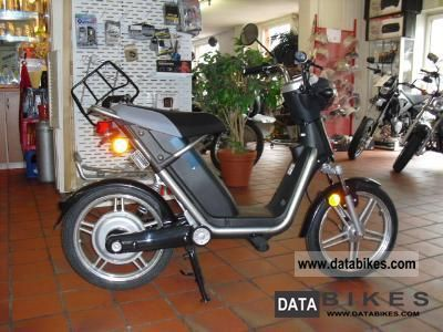 E-Ton  e-MO, electric drive 2011 Electric Motorcycles photo