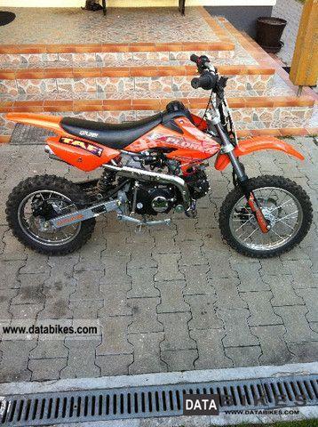 2011 Explorer  Motocross 125cc Motorcycle Lightweight Motorcycle/Motorbike photo