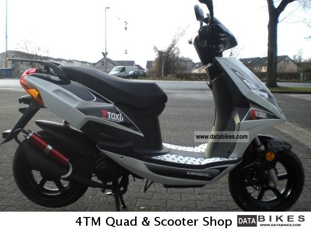 Generic  TOXIC 50 Sport Moped Scooter 2-stroke 2011 Scooter photo