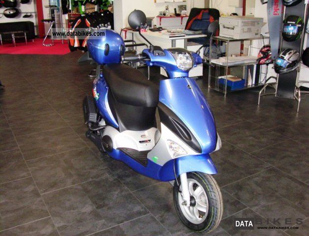Generic  Streamer 2200W electric scooter 2011 Electric Motorcycles photo