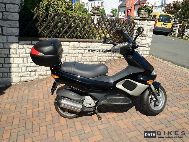 Gilera  Runner FXR 180 DD with 2 disc brakes 2000 Scooter photo