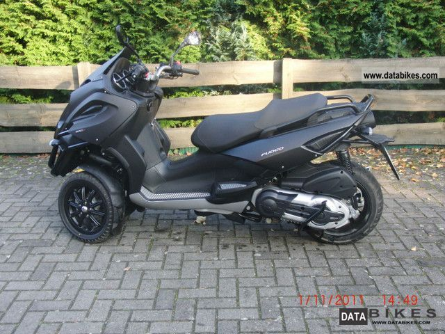 2010 Gilera  Fuoco Motorcycle Scooter photo