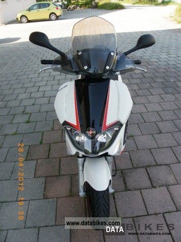 2011 Gilera  Runner 200ST (current 2011/12) Motorcycle Scooter photo